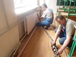 gidropnevmopromyvka-sistemy-otopleniya-mozhet-provoditsya-bez-demontazha-radiatorov